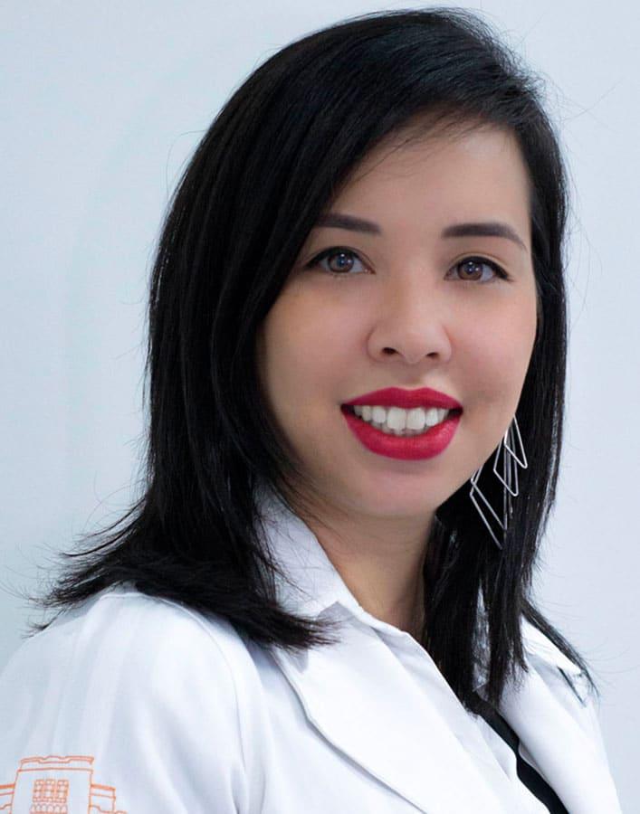 Dra. Caroline Maris Takatu