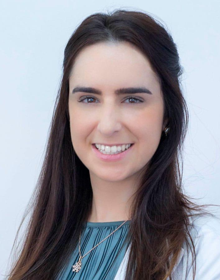 Dra. Fernanda Dagir Cosenza
